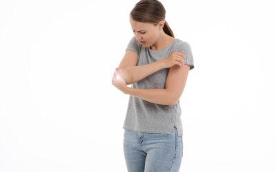 Tennisarmbåge – symptom, behandling och övningar att göra